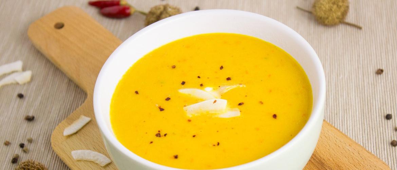 Pittige pompoen-wortel soep